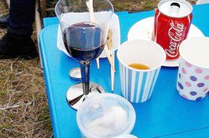 あと、折り畳み式のテーブルも便利ですよね~ (1)